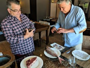 Els editors de GiDona van visitar Les Corones, especialista en peix a la brasa a l'Estartit i recomanat a la Guia Michelin